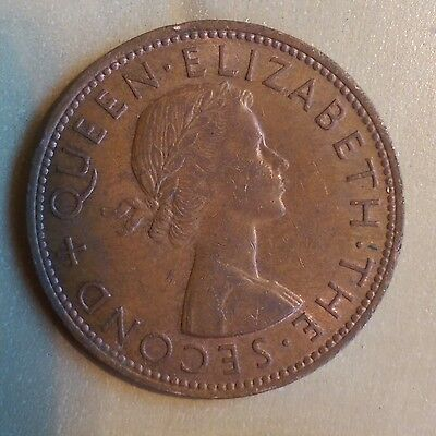 1962 NZ New Zealand One Penny coin  - D3
