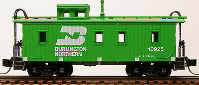 N Scale Micro Trains 34' Wood-Sheathed Caboose with Straight Cupola