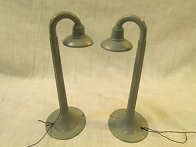 "Vintage Marx ""O"" Scale Street Light Lamp with shade"