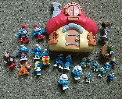 Smurf house and figures - hardly used. Great present! 1 Schliech & others