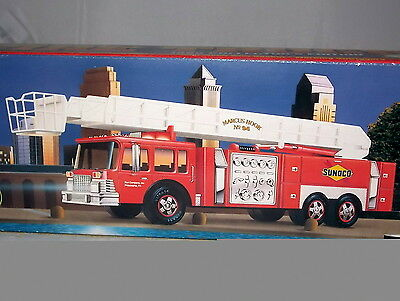 1995 Collector's Edition SUNOCO Aerial Tower Toy FIRE TRUCK Series 2 nib