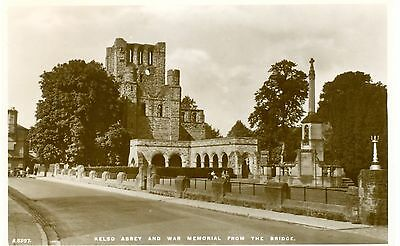 Kelso Abbey and War Memorial unused postcard Roxburghshire Borders