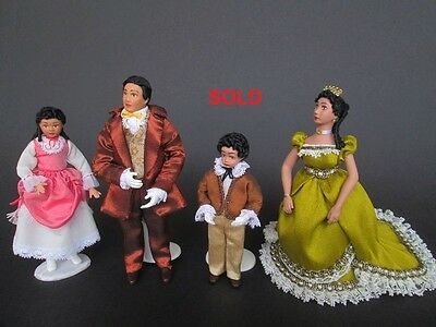 1870 miniature dolls in 1:12 scale. Dollhouse dolls by Paola&Sara Miniature