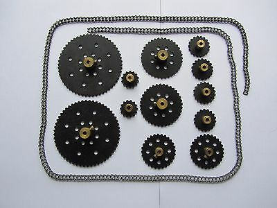 Meccano chain & sprockets for 10 set, parts 94, 95, 95a, 95b, 96 & 96a.