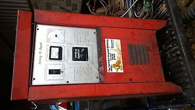 Lansing Bagnall Forklift Single Phase Battery Charger 32 24 35