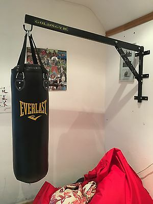 Everlast Punch Bag Filled with Hanging Straps - 3ft AND Wall Bracket