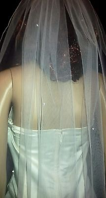 "Brides Ivory fingertip wedding veil with scattered AB Crystals 42"" 1 tier."