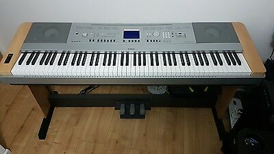 Yamaha DGX-640 Portable Grand - with Stand& Additional Three-Pedal Unit Included