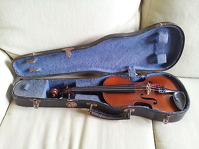 Old French 1/4 violin by Louis Hecquin