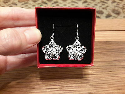 Brand new  925 stamped Silver Flower Earrings and gift Box