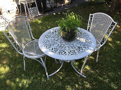 Aluminum / Metal Outdoor Setting Table Chairs Wrought Iron Look