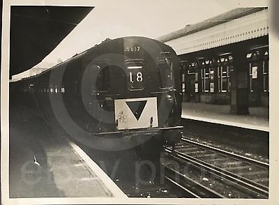 5617 At Margate Railway Station 1965 Real Photo.Old Rare Item - See Listing