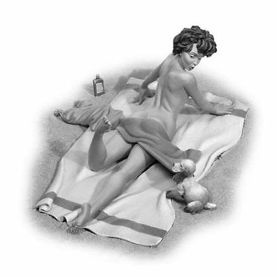 80mm figure pin-up girl Andrea metal miniatures
