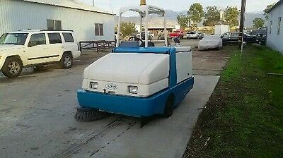 Tennant 6550 propane engine ride on floor sweeper with FREE shipping