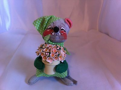 """Vintage  Annalee Mobilitee dolls Spring Mouse holding a Pot of Flowers apx. 6"""""""