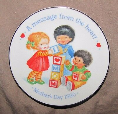 """1990 Avon Mothers Day Collectible Plate """"a Message From The Heart"""""""