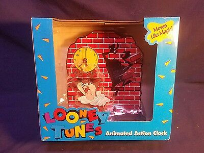 Vintage 1994 Looney Tunes Taz Tasmanian Devil Animated Action Clock Quartz Works