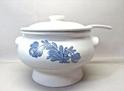 Pfaltzgraff Yorktowne .. Stoneware Soup Tureen With Ladle