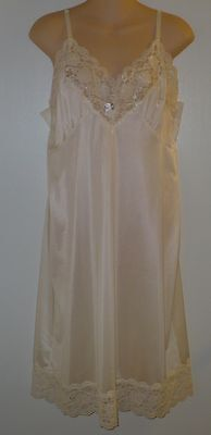 Women's Ashley Taylor Ivory full slip size 20W