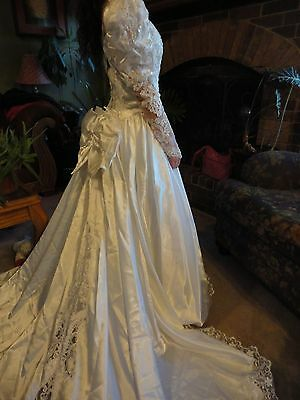 Beautiful Vintage Beaded 80s Wedding Dress - Diana - 1980's - Cathedral Train