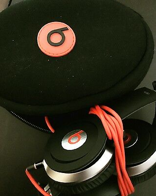 Beats by Dr. Dre Solo2 Red Headphones