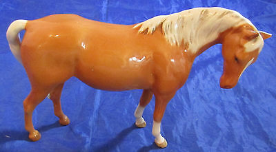Vintage Beswick Horse Mare in Palomino Gloss