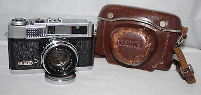 Yashica M - 1960 35mm Rangefinder Camera with 45mm f/1.9 Lens and Case - vgc