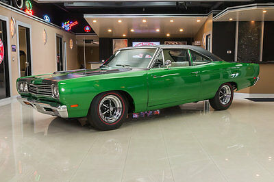 1969 Plymouth Road Runner  Fully Restored Road Runner! 426ci HEMI V8, #s Matching 727 Automatic, PS & More!