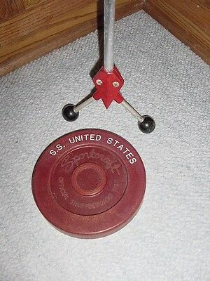 SS UNITED STATES LINES  (1) Shuffleboard Stick & Puck Set  /  Top Condition