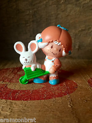 Vintage Strawberry Shortcake Apricot With Hopsalot In Wheel Barrow Mini Pvc
