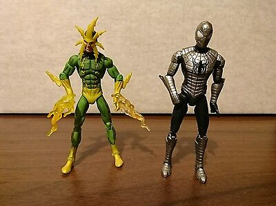 Marvel universe (Legends) 3.75 armoured spider man and electro figures