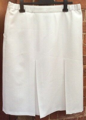 QUALITY LINED WHITE BOWLS SKIRT SIZE 20 Excellent Condition