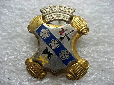 DI Army Crest Pin Infantry 8th Division