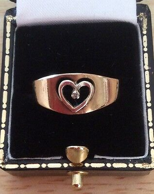 Vintage 9ct gold heart ring with stone size Q