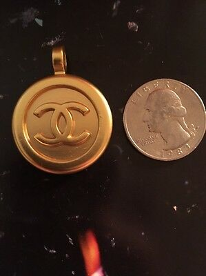 Vintage Pendant Chanel Cc Minor Scratch Marks As Is Gold Tone