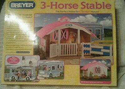 Breyer Stable And Horse in box NO JUMP, NO HORSES.