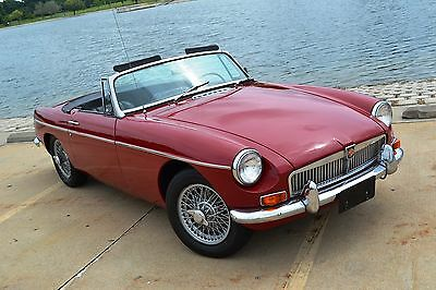 1968 MG MGB  1968 MGB Chrome bumpers wire wheels very nice,  NO RESERVE