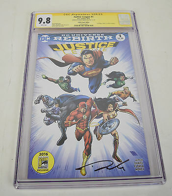 Justice League 1 DC Rebirth SDCC 2016 9.8 CGC SS Signed Darick Robertson Variant