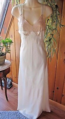 Vintage 1940's Mondaine Cream Satin Night Gown~French Alencon Lace~Movie Star 34