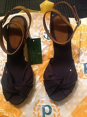 ladies tommy hilfiger shoes size 4 brand new