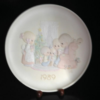 """Precious Moments May Your Christmas Be A Happy Home 8"""" Collector Plate"""