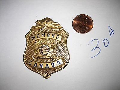 Vintage Obsolete Membre Member Canada Ipa  Police Badge Clip On Gold Tone