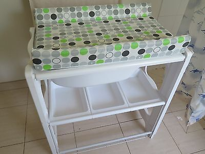 baby bath and change table excellent