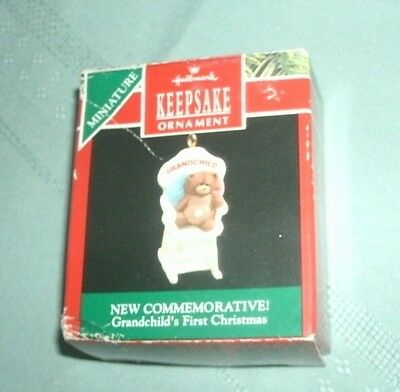 1990 HALLMARK KEEPSAKE MINIATURE  ORNAMENT OF GRANDCHILD'S 1st CHRISTMAS