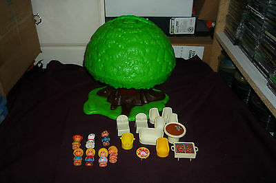 Vintage 1975 Kenner Treehouse Tots Playset With 7 Figures & 12 Accessories