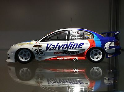 CLASSIC CARLECTABLES, 2002 VX Racing Commodore, Scale 1:18, DIECAST CAR, 18032