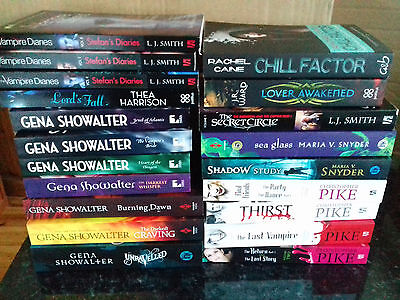 Job Lot Collection 20 Vampire Books Novels Showalter Pike Smith Brand New
