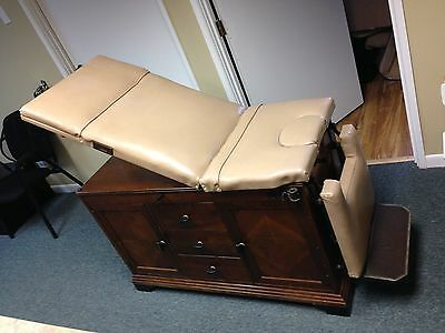 VERY NICE vintage Doctor's Examination table