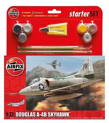 A55203 Airfix Plastic Model Kit 1:72 Douglas A-4B Skyhawk Starter Set - New UK