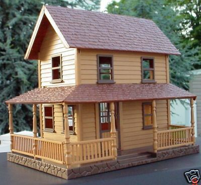 2 Story Farm House With Wrap Around Porch 1/32 1/24